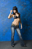 Sexy brunette in zwarte bustehouder Stock Afbeeldingen