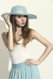 Sexy de lentevrouw met hoed Stock Afbeelding