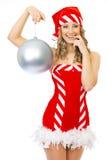 Sexy en Mevr. Kerstman die glimlacht stelt Royalty-vrije Stock Foto's