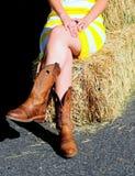 Sexy entspannendes Cowgirl Lizenzfreies Stockfoto
