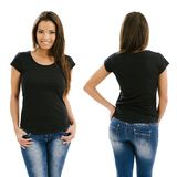 Frau, die mit leerem schwarzem Hemd aufwirft Stockfotos