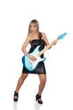 Sexy Gitarrist mit einem schwarzen ledernen Kleid Stockbilder