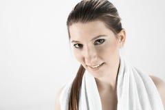 Sexy jong meisje met handdoek Royalty-vrije Stock Foto's