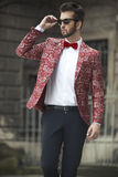 Sexy jonge mens in kostuum Royalty-vrije Stock Foto's