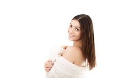 Sexy jonge vrouwelijke omslag zelf omhoog in witte badjas met exemplaar SP Royalty-vrije Stock Foto