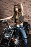 Sexy Mädchen auf Motorrad Lizenzfreies Stockbild