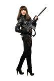 Sexy Mädchen im Schwarzen mit Gewehr lizenzfreies stockbild