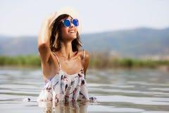 Sexy Mädchen im Wasser Stockbild