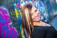 Sexy Mädchenmode-modell mit dem braunen Haar Lizenzfreie Stockfotografie