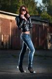 Sexy meisje in jeansstijl Stock Foto