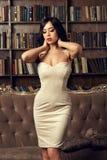 Sexy meisje in kleding stock fotografie