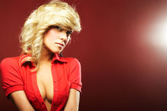 Sexy meisje in rode blouse Stock Foto