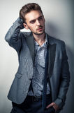 Sexy mens in klassieke kleding Royalty-vrije Stock Foto