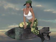 Sexy Militärmädchen, das mit einer Bombe aufwirft Stockfotografie