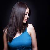 Sexy mooie jonge donkerbruine vrouw stock foto