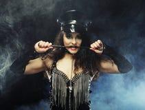 Sexy mooie politievrouw stock fotografie
