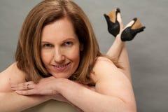Sexy Oudere vrouw in Studio Royalty-vrije Stock Foto's
