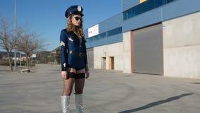 Sexy politievrouw stock footage