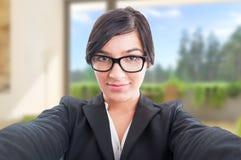 Sexy Porträt des weiblichen Grundstücksmaklers Lizenzfreies Stockfoto