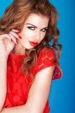 Sexy Roodharige die Haar Lippen pruilt Royalty-vrije Stock Foto