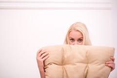 Sexy schönes blondes Mädchen in der Unterwäsche Stockfotos