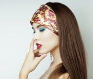 Sexy Schoonheidsmeisje met Rode Lippen en Spijkers Provocatief maak omhoog Luxevrouw met Blauwe Ogen Manier donkerbruin portret Stock Afbeelding