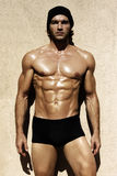 Sexy shirtless mannelijk model stock afbeelding