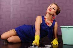 Sexy speld op huisvrouw stock fotografie