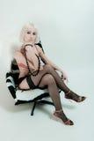Sexy vrouw die lingerie draagt Royalty-vrije Stock Afbeeldingen