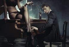 Sexy vrouw met glas wijn Stock Foto's