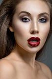 vrouw met rode lippen Stock Afbeelding
