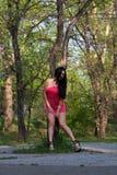 Sexy vrouw in openlucht Stock Afbeeldingen