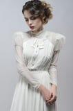 Sexy vrouw in witte kleding stock afbeeldingen