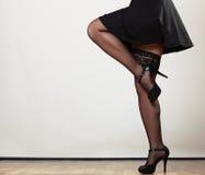 Sexy weibliche Beine im Tanz stockfotos