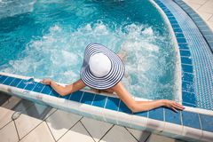 Sexy woman at swimming pool Royalty Free Stock Photos
