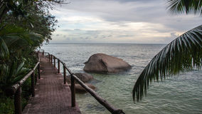 Seychellen-Luxusstrand-Hotel Lizenzfreie Stockfotos