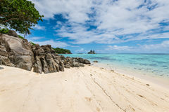 Seychellerna seascape - Anse Royale Beach, Mahe Island, Seychellerna Royaltyfria Bilder