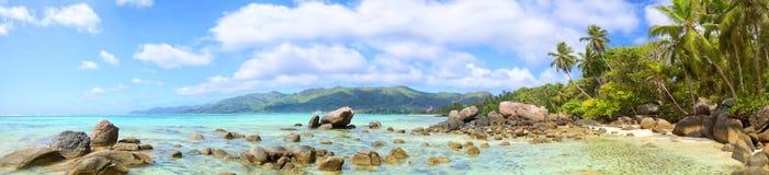 Seychellerna strandpanorama Arkivfoton
