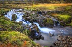 Seydisfjordur-Fjordtal Stockfotografie
