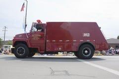 Seymour åker lastbil den lantliga brandstationen tätt upp Royaltyfri Bild