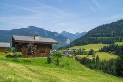 Seytrouxdorp in de Franse bergen van Alpen royalty-vrije stock foto