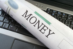 Sezione dei soldi del giornale Fotografia Stock Libera da Diritti