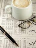 Sezione finanziaria del giornale Fotografie Stock Libere da Diritti