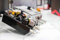 Sezione trasversale del commutatore dell'interruttore per alto potere elettrico di controllo per l'industriale sullo scaffale fotografie stock libere da diritti