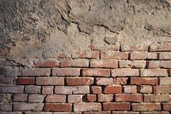 Sezioni un muro di mattoni molto vecchio Fotografia Stock Libera da Diritti