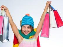 Sezon jesienny sprzedaże Sprzedaż i rabat Zakupy centrum handlowego zyskowna transakcja piątek czarny zakupy Dziewczyny twarzy śl obrazy stock