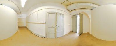 Sfärisk övergett gammalt smutsigt korridorrum för panorama insida i byggnad Mycket 360 vid 180 grad i equirectangular projektion Royaltyfri Foto