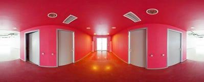 Sfäriska 360 grader panoramaprojektion, inre tomt rött rum i moderna plana lägenheter Royaltyfri Bild
