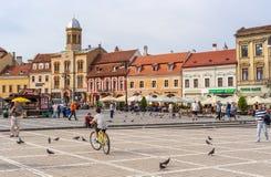 Sfatului-Platz bei Brasov, in Rumänien lizenzfreie stockbilder