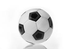 Sfera di calcio isolata Fotografie Stock Libere da Diritti